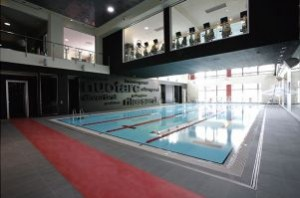 Area piscina del centro fitness di Virgin Active a Brescia