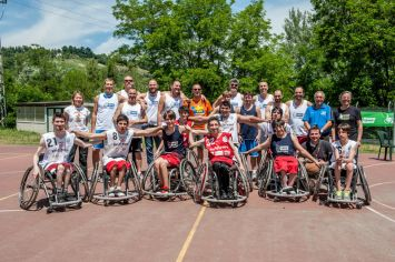 """Happy Hand 2014"": i Bradipi Bologna, campioni d'Italia Under 22 di basket in carrozzina, e le Overlimits All Stars"