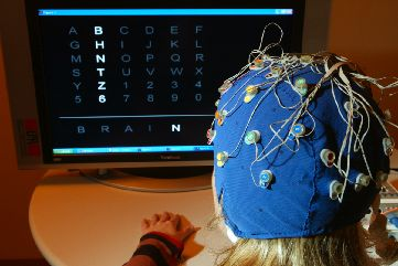 "Utilizzatrice di BCI (""Brain Computer Interface"")"
