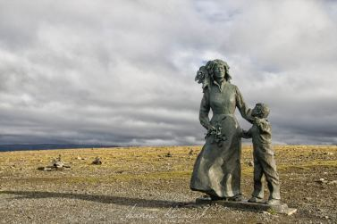 "Eva Rybbaken, ""Mother and Child"", Capo Nord (Norvegia)"