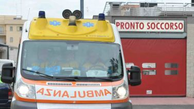 Ambulanza davanti a un Pronto Soccorso