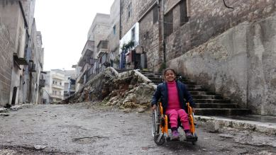 Hanna bimba con disabilità in Siria