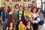 """Non l'ottima esibizione del gruppo """"The Silent Beat"""", viene contestata da alcune associazioni di persone sorde, ma il modo in cui essa è stata presentata, durante il programma televisivo """"Quello che (non) ho"""""""