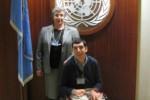 Luisella Bosisio Fazzi, con il figlio Nicola, al Palazzo delle Nazioni Unite di New York, il 30 marzo del 2007, in occazione della firma italiana della Convenzione (foto di Giulio Fazzi)