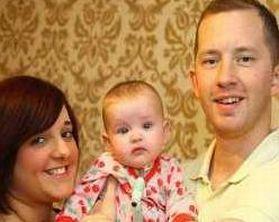 Jovie Wyse, bimba inglese affettada sindrome di Ondine, con i genitori