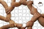 «La fiducia - scrive Simona Lancioni - va costruita lavorando assieme e valutando di volta in volta le diverse situazioni»
