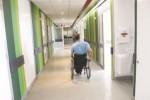 Una persona con lesione midollare