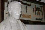 Il busto di Louis Braille nella sua casa natale di Coupvray, non lontano da Parigi. Oggi quell'edificio è il Museo Louis Braille, affidato alle cure della WBU, l'Unione Mondiale dei Ciechi