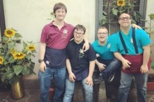 Alcuni giovani con disabilità della Locanda I Girasoli di Roma