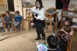 """La consegna del libro """"Lea va a scuola"""" ai bimbi e alle bimbe della Scuola Sant'Ambrogio di Firenze"""