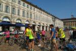 I ciclisti della Polisportiva ASD UICI Torino in Piazza San Carlo del capoluogo piemontese, durante una delle precedenti iniziat8ive di cui sono stati protagonisti