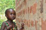 Leah, bimba ugandese cieca a causa di una cataratta bilaterale congenita, è l'immagine-simbolo della campagna lanciata da CBM Italia in occasione della Giornata Mondiale della Vista 2019