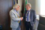 Il presidente dell'AICE Giovanni Battista Pesce (a sinistra) con Domenico Mantoan, presidente dell'AIFA