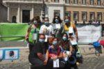 Un gruppo di caregiver familiari partecipanti alla manifestazione di protesta del 22 luglio delo scorso anno, in Piazza Montecitorio a Roma