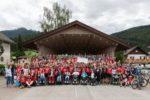 Una bella foto di gruppo della comunità legata all'Associazione Parent Project