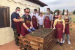 """Foto di gruppo per i """"Giardinieri sovversivi"""" dell'Associazione Nuove Frontiere di Ladispoli (Roma)"""