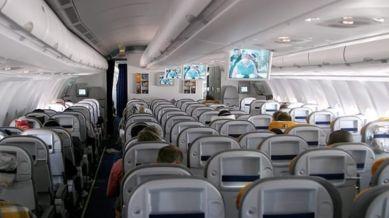 Interno di un aereo
